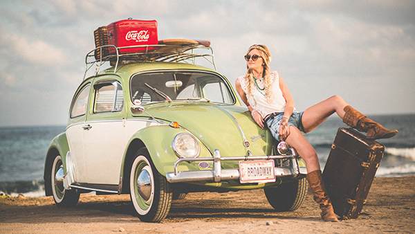 Genieten van vrijheid reizen met de auto door financieel onafhankelijk te worden